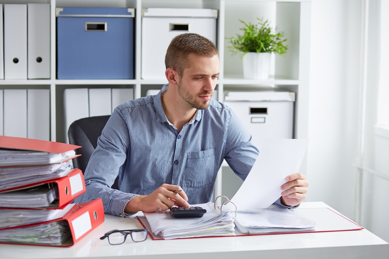 Controllers vs Bookkeepers: What's the Difference?